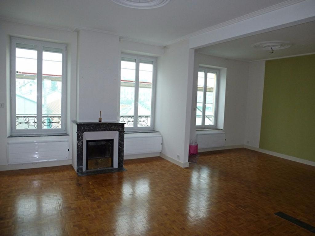 location appartement nancy ne laissez rien au hasard. Black Bedroom Furniture Sets. Home Design Ideas